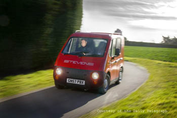 picture of Zecar&reg driving
